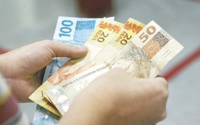 Read more about the article Portaria estabelece antecipação de um salário mínimo para auxílio-doença